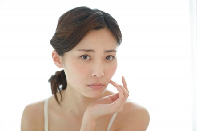 治療が難しいとされているシミ、肝斑とは?特徴や原因、治療方法などをご紹介!